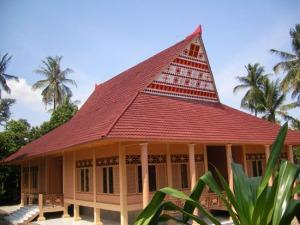 rumah-adat-maluku